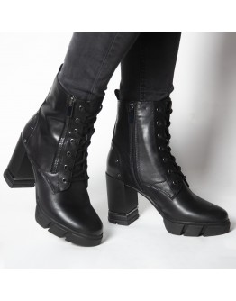 BLACK LEATHER BOOTIES CAFE NOIR